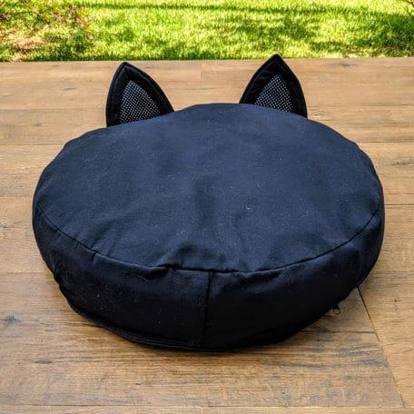 caminha-pufe-orelha-preta-gatos